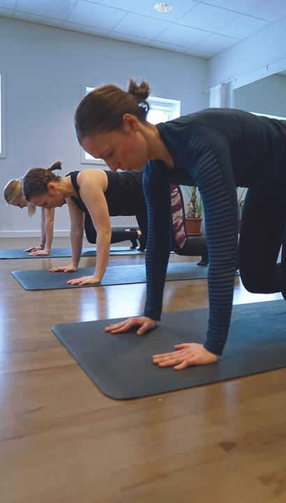 mødre træner stabilitetstræning